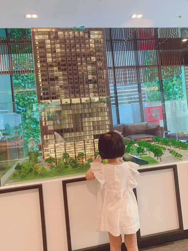 Lâu lâu mới lên sóng, con gái Hoa hậu Đặng Thu Thảo khiến dân mạng được phen ngỡ ngàng vì lớn nhanh như thổi-4