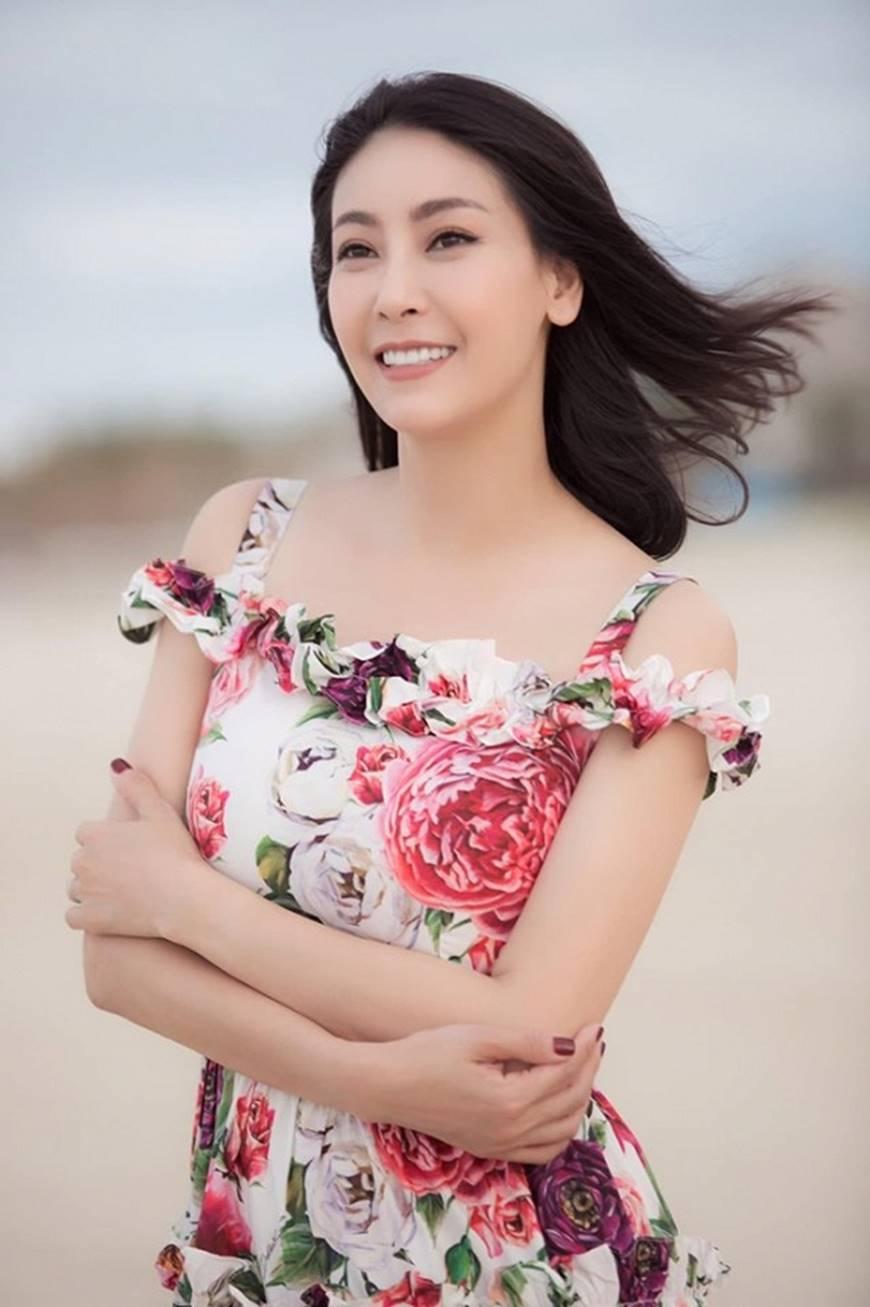 Nhan sắc chim sa cá lặn của Hoa hậu Hà Kiều Anh ở tuổi 43-13