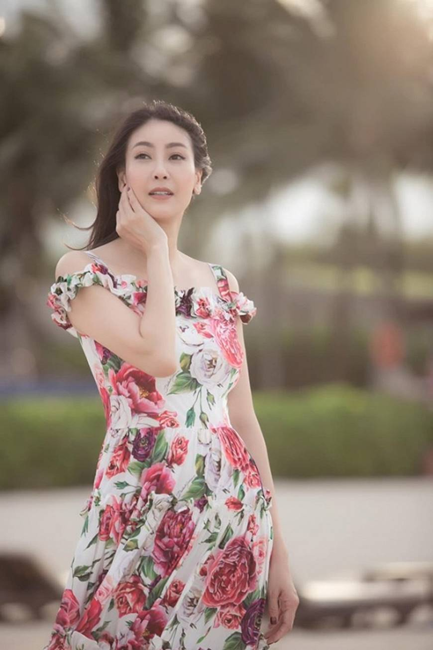 Nhan sắc chim sa cá lặn của Hoa hậu Hà Kiều Anh ở tuổi 43-8