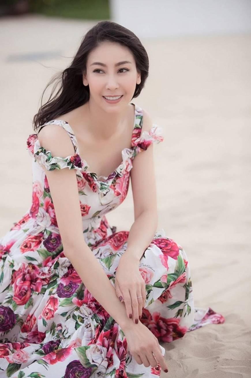 Nhan sắc chim sa cá lặn của Hoa hậu Hà Kiều Anh ở tuổi 43-9