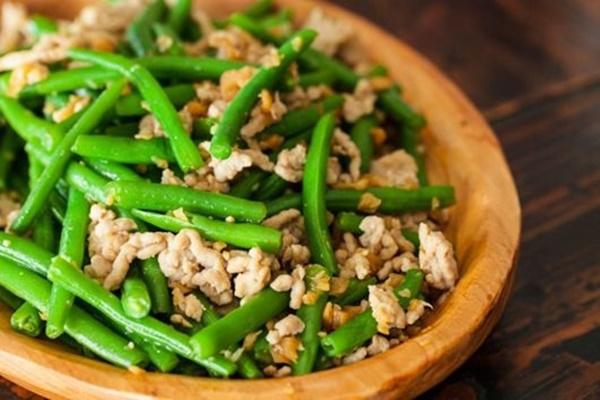 5 thực phẩm nấu không chín kỹ sẽ chuyển hóa thành chất độc, đừng ăn mà rước bệnh nguy hiểm, ung thư vào người-1