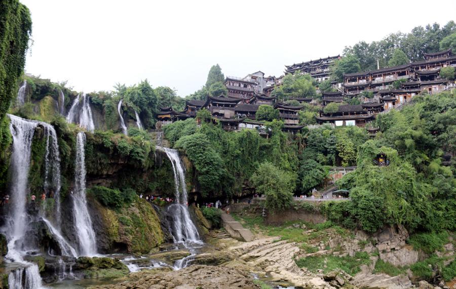 50 ngàn khách Việt, nhẵn túi khi đến Phượng Hoàng cổ trấn-5