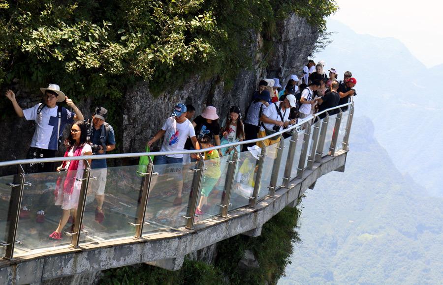 50 ngàn khách Việt, nhẵn túi khi đến Phượng Hoàng cổ trấn-8