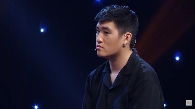 MC Nguyên Khang bị khán giả chỉ trích vì dẫn chương trình vô duyên, hỏi sỗ sàng người chơi-4