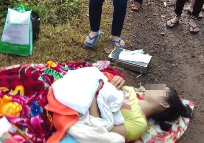 Thấy sức khỏe sản phụ yếu, tài xế taxi nhất quyết đuổi xuống đường khiến bé trai sơ sinh vừa chào đời đã tử vong thương tâm-1