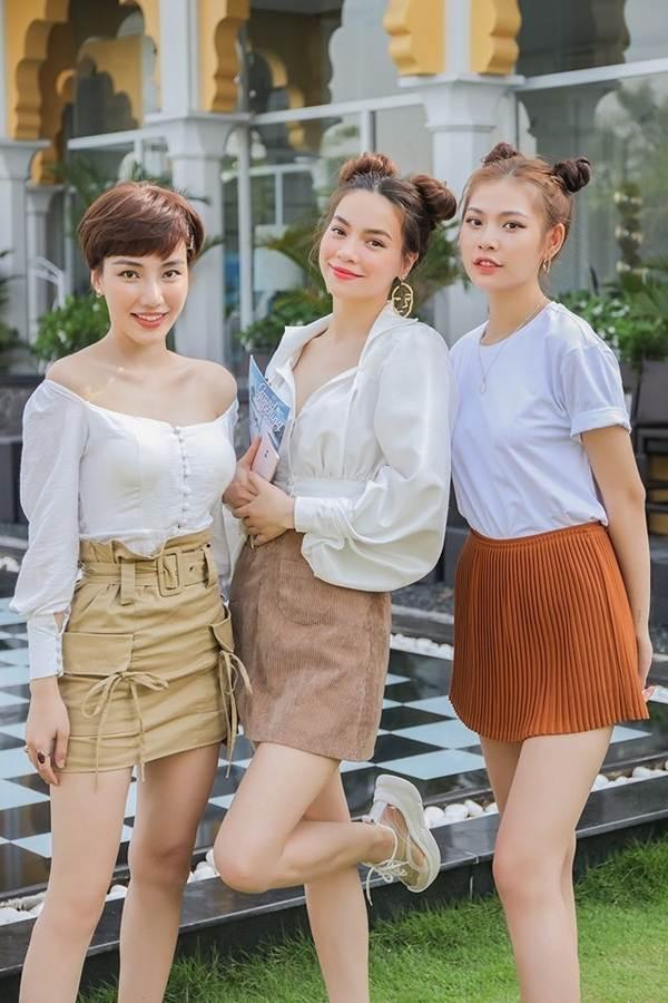 Thời trang khoe 'da thịt' gây sốc của Hồ Ngọc Hà trong MV mới-14