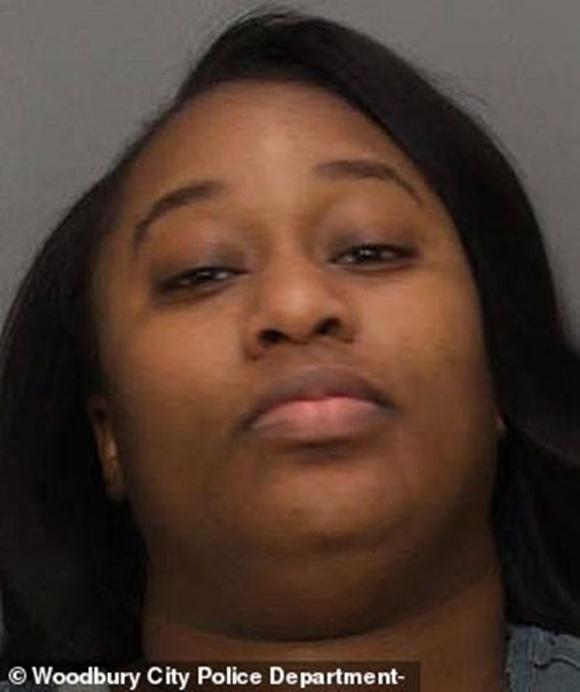 Người phụ nữ thiêu rụi nhà bạn trai vì hẹn sang mây mưa lúc 4h sáng rồi ngủ quên không mở cửa-1