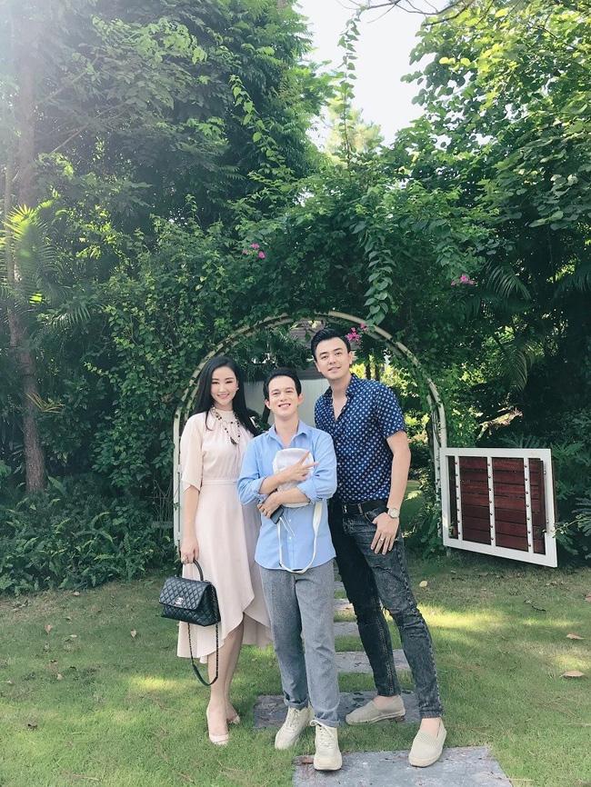 3 bà mẹ đơn thân vừa quyến rũ, giàu có lại kín tiếng trong showbiz Việt-18