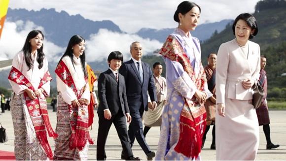 Danh tính Công chúa Bhutan với khí chất ngút ngàn: Xinh đẹp bậc nhất, học vấn đỉnh cao cùng người chồng hoàn hảo-1