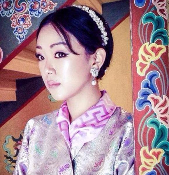 Danh tính Công chúa Bhutan với khí chất ngút ngàn: Xinh đẹp bậc nhất, học vấn đỉnh cao cùng người chồng hoàn hảo-4