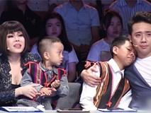 Trấn Thành, Việt Hương oà khóc trước cô gái nuôi 2 đứa trẻ suýt bị chôn sống