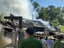 Bí ẩn kẻ giấu mặt liên tục tìm cách đốt nhà, dán giấy dọa giết gia chủ