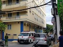 Vụ thầy giáo người nước ngoài tử vong: Lúc rơi xuống có sợi dây điện quấn quanh cổ