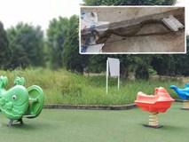 Khu vui chơi chung cư bị bỏ hoang do người dân lo sợ rắn hổ mang tấn công