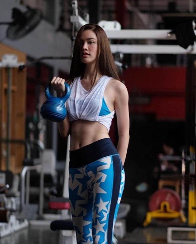 Chán vẻ đẹp trắng bệch ẻo lả, chị em Thái Lan chạy đua chuẩn vóc dáng mới-13