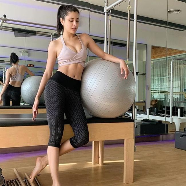 Chán vẻ đẹp trắng bệch ẻo lả, chị em Thái Lan chạy đua chuẩn vóc dáng mới-19