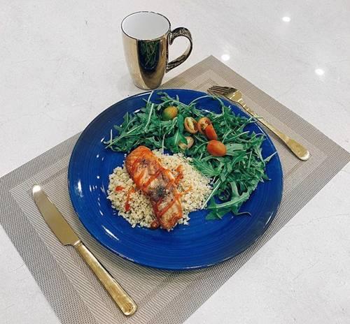 Cớ sao cả dàn mỹ nhân đình đám showbiz Việt bỏ cơm để ăn thứ hạt lạ lẫm này?-3