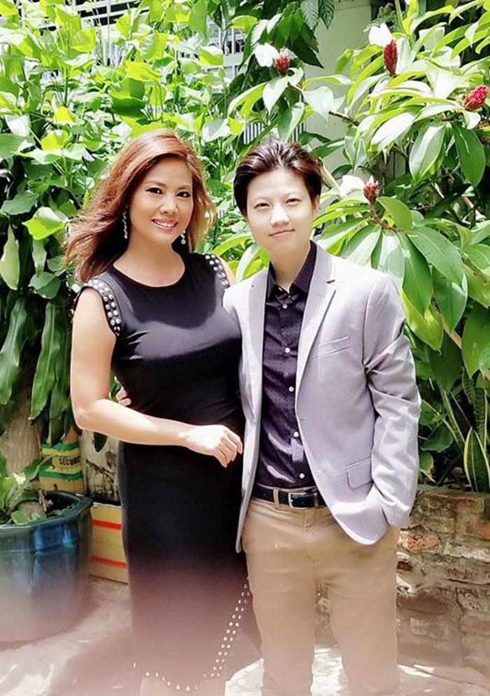 Nữ ca sĩ Việt 3 đời chồng khoe bikini nóng bỏng ở tuổi 46-13