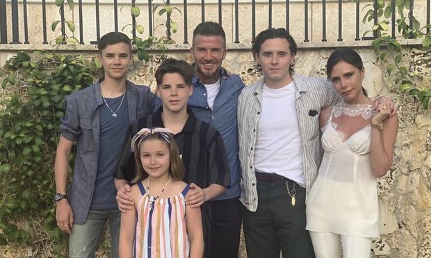Sau 20 năm kết hôn, Victoria rục rịch đệ đơn ly hôn David Beckham, thậm chí đã sẵn sàng tranh quyền nuôi con?-2