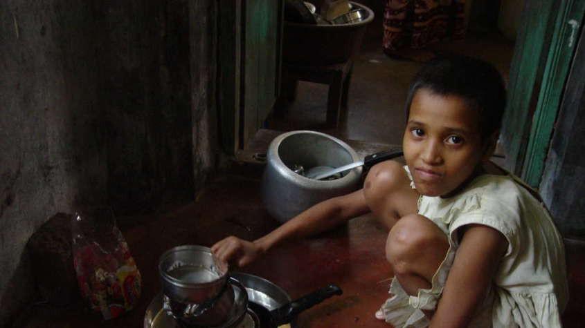 Khi trẻ em làm giúp việc cho nhà giàu: Bị ngược đãi tàn nhẫn, bữa ăn chan nước mắt và những cái chết đầy tức tưởi-3