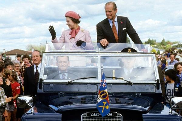 Hai vụ ám sát hụt bị giấu kín gần 40 năm: Chỉ trong 1 năm Nữ hoàng Anh 2 lần suýt mất mạng, danh tính những kẻ chủ mưu không ai ngờ-1
