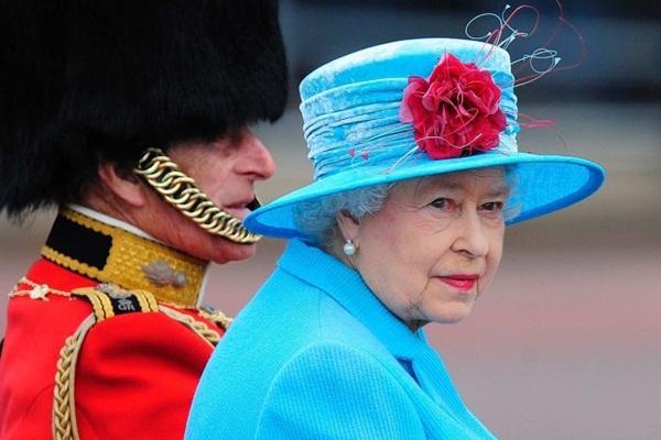 Hai vụ ám sát hụt bị giấu kín gần 40 năm: Chỉ trong 1 năm Nữ hoàng Anh 2 lần suýt mất mạng, danh tính những kẻ chủ mưu không ai ngờ-6