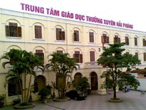 """Hàng trăm sinh viên Hải Phòng """"té ngửa"""" vì học văn bằng 2 Trường ĐH Đông Đô"""