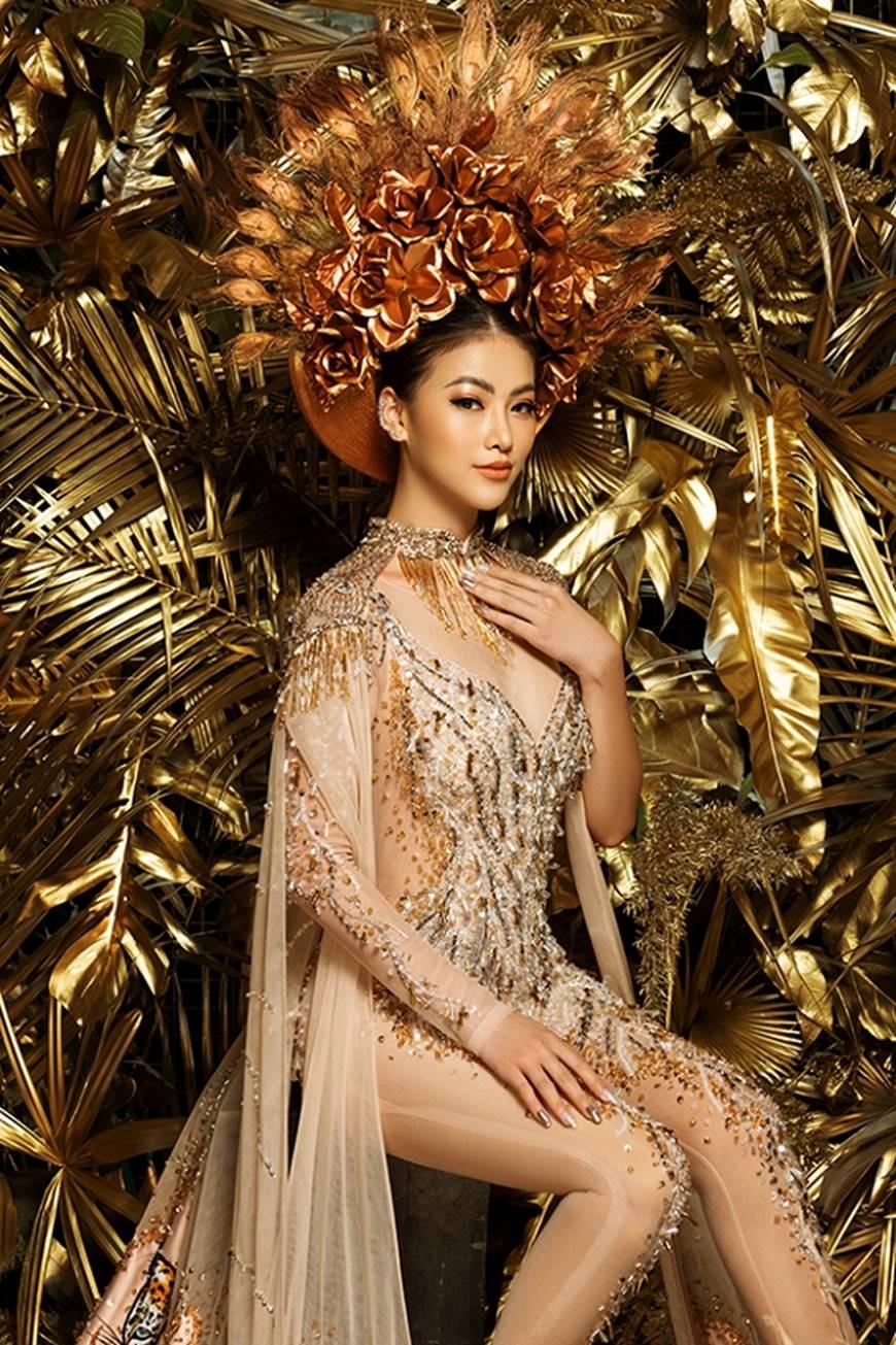 Cận cảnh bộ quốc phục huyền thoại giúp Hoa hậu Phương Khánh làm nên kỳ tích cho nhan sắc Việt-1
