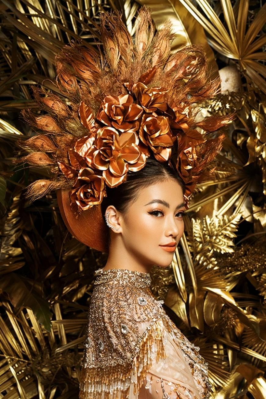 Cận cảnh bộ quốc phục huyền thoại giúp Hoa hậu Phương Khánh làm nên kỳ tích cho nhan sắc Việt-10