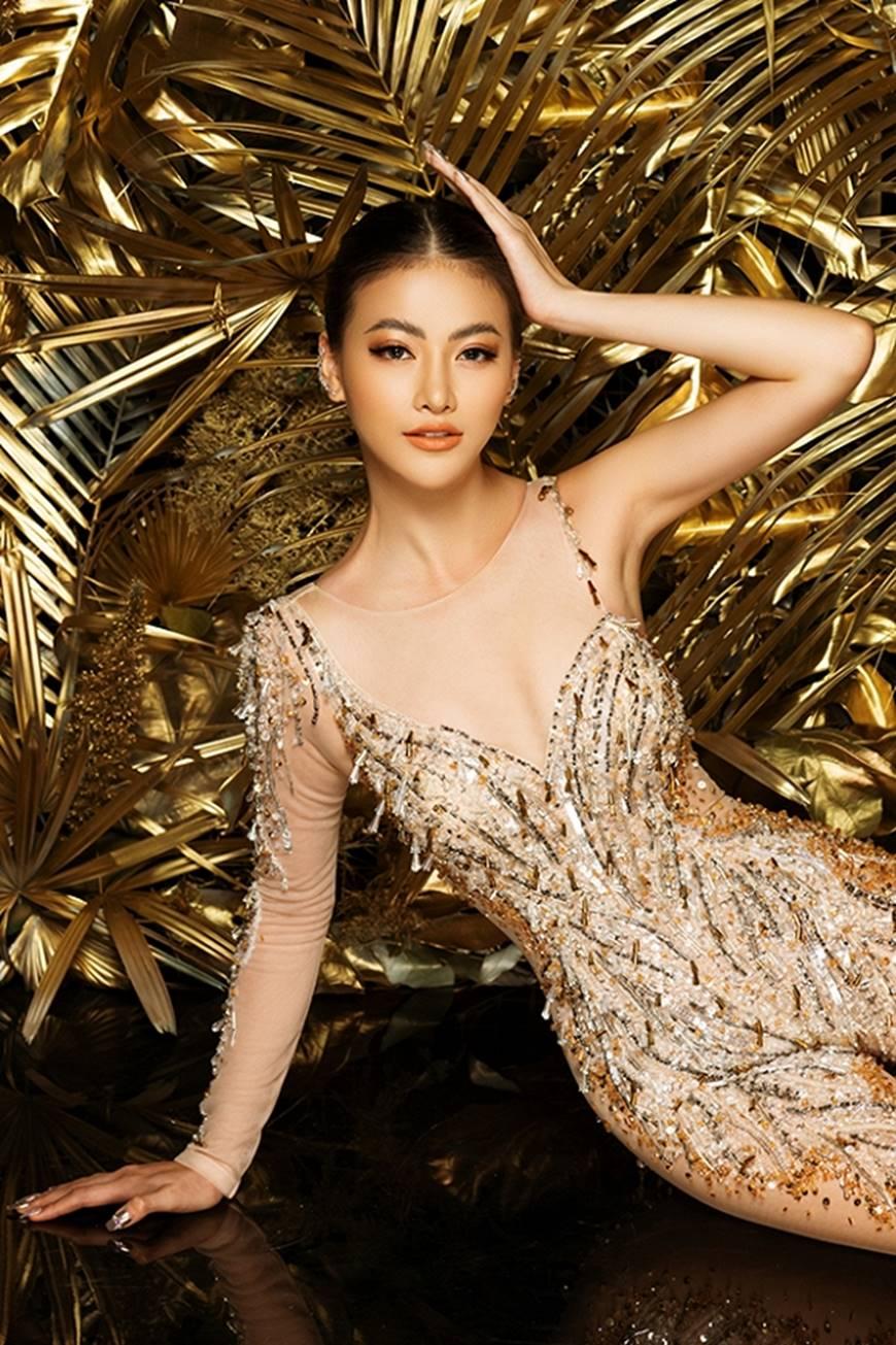 Cận cảnh bộ quốc phục huyền thoại giúp Hoa hậu Phương Khánh làm nên kỳ tích cho nhan sắc Việt-9