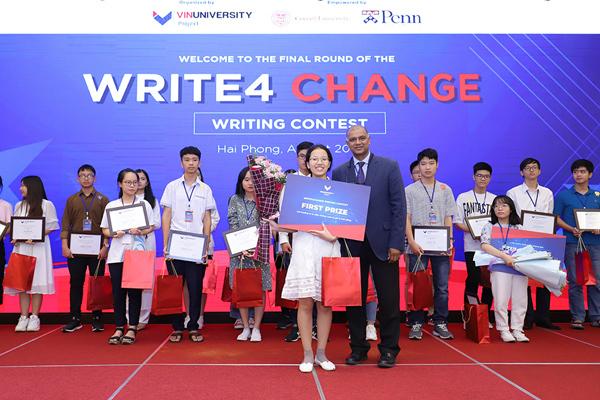 Nữ sinh 17 tuổi giành giải nhất cuộc thi viết luận bằng tiếng Anh Write4Change-2