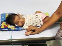 TP.HCM: Bé gái 40 ngày tuổi ngưng tim, ngưng thở nguy kịch vì sặc sữa khi đang bú mẹ