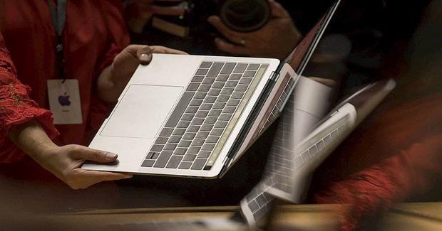 Việt Nam chính thức cấm mang Macbook Pro lên máy bay-1