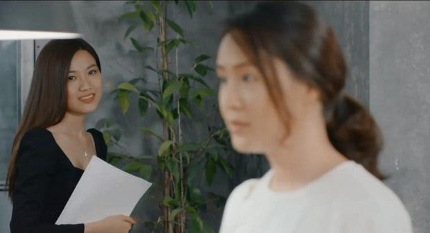Nhìn là ghét trong phim nhưng tiểu tam Trà (Hoa hồng trên ngực trái) ngoài đời hóa ra xinh đẹp, sexy tới cỡ này-1