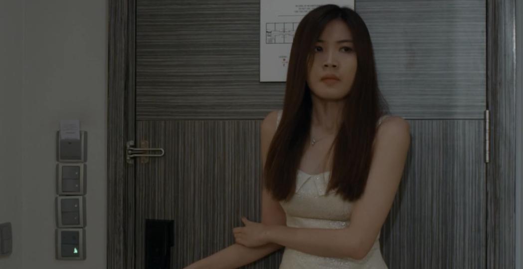 Hoa hồng trên ngực trái: Tiểu tam Trà từ chối nụ hôn của Thái nhưng lại để tình cũ bế lên giường-12