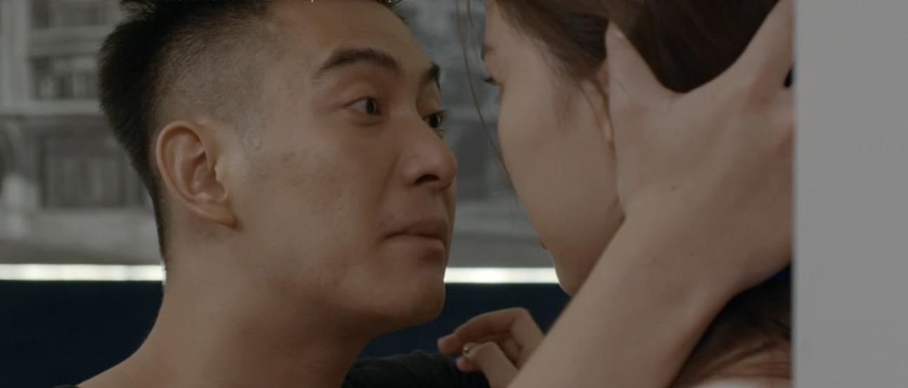 Hoa hồng trên ngực trái: Tiểu tam Trà từ chối nụ hôn của Thái nhưng lại để tình cũ bế lên giường-14