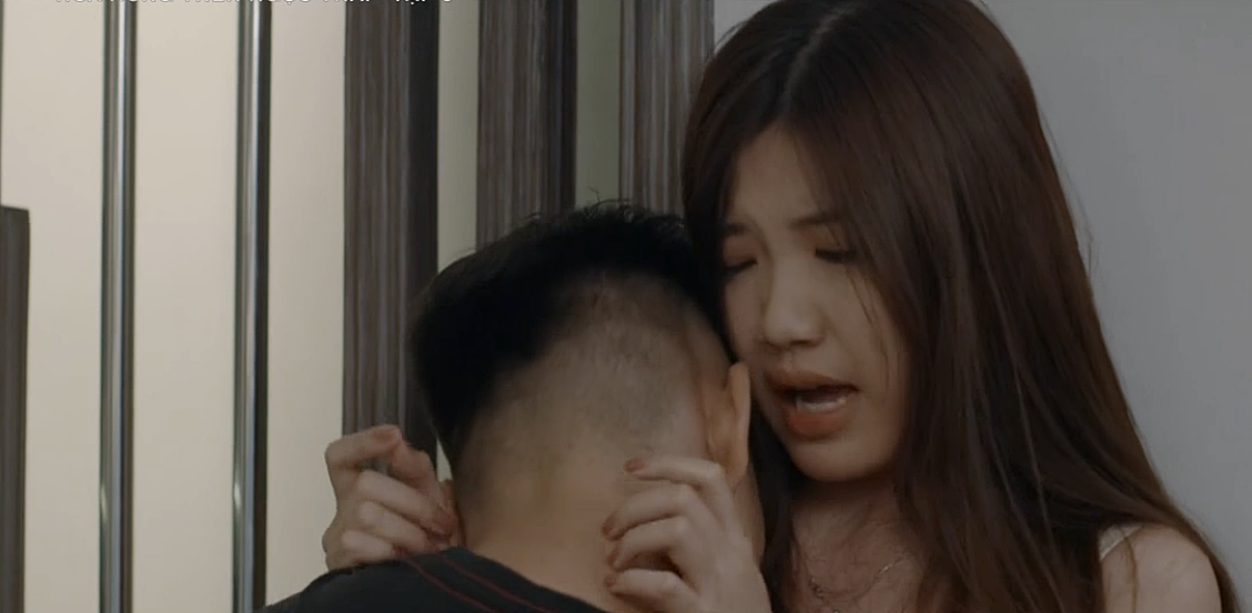 Hoa hồng trên ngực trái: Tiểu tam Trà từ chối nụ hôn của Thái nhưng lại để tình cũ bế lên giường-16