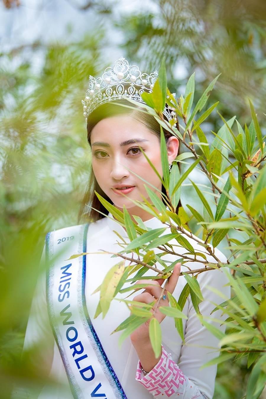 Hoa hậu Lương Thuỳ Linh thả dáng giữa chốn bồng lai tiên cảnh của Cao Bằng-7