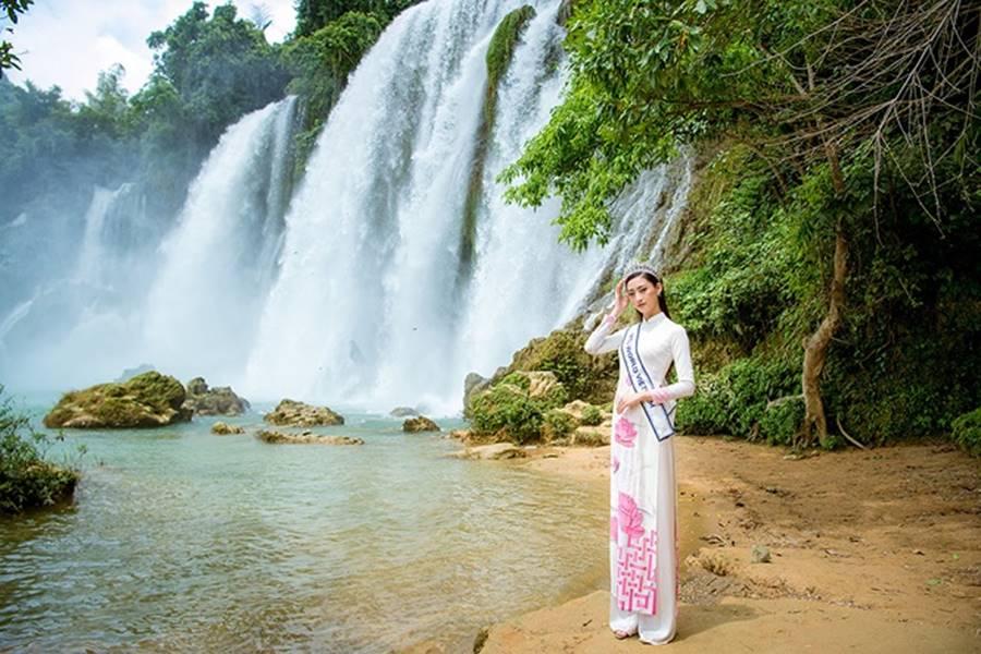 Hoa hậu Lương Thuỳ Linh thả dáng giữa chốn bồng lai tiên cảnh của Cao Bằng-8