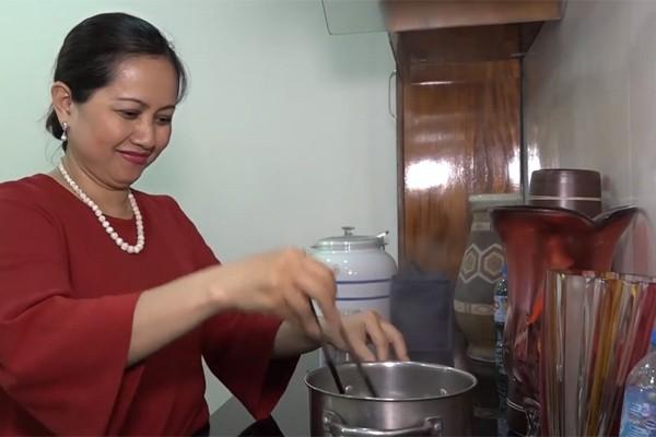 Người phụ nữ tần tảo hiền thục đằng sau thành công của NSƯT Trung Anh Về nhà đi con-5
