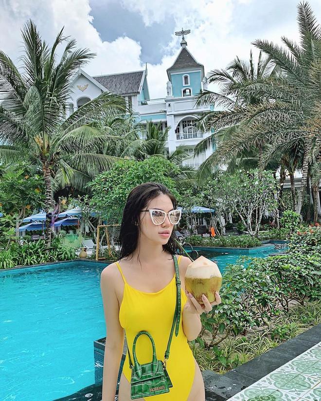 Cùng một chiếc túi hiệu bé tí: Chi Pu khoe thần thái, H'Hen Niê đựng chôm chôm, Ngọc Trinh lại vừa mang vừa gặm bánh mì-7