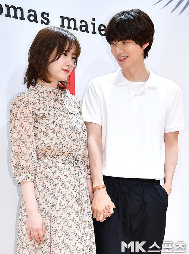 Hành trình từ gã si tình đến thánh cosplay cuồng vợ Ahn Jae Hyun: Ánh mắt mật ngọt hóa chê bai thô tục tựa khi nào!-7