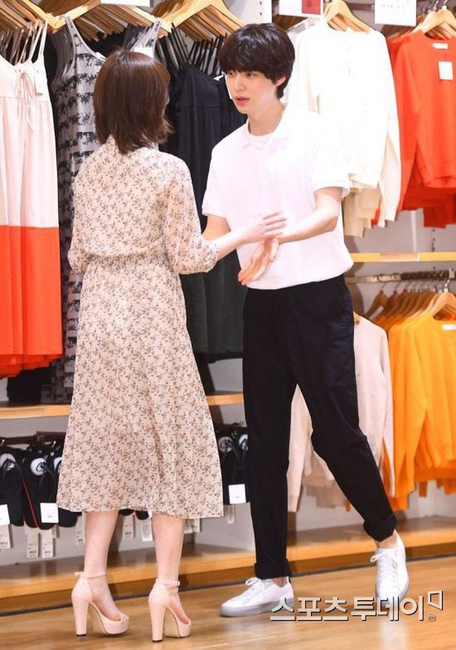 Hành trình từ gã si tình đến thánh cosplay cuồng vợ Ahn Jae Hyun: Ánh mắt mật ngọt hóa chê bai thô tục tựa khi nào!-8