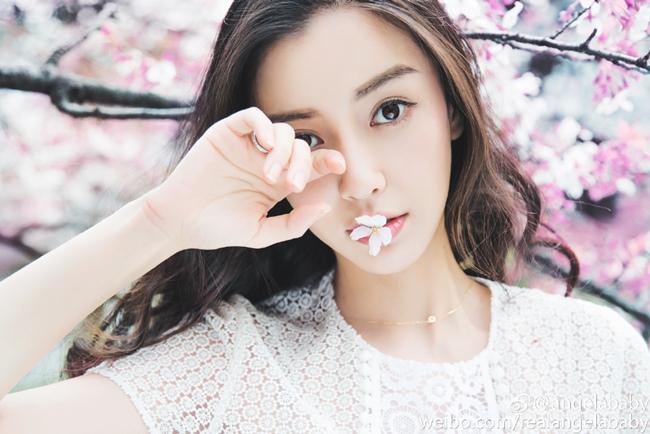 Những cô gái được dân Trung Quốc ca ngợi liếc một cái là nghiêng thành-6