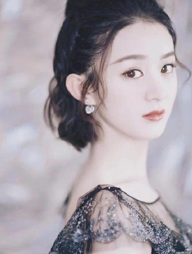 Những cô gái được dân Trung Quốc ca ngợi liếc một cái là nghiêng thành-15