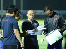 Danh sách tuyển Việt Nam đấu Thái Lan: Thầy Park 'om' đến giờ chót