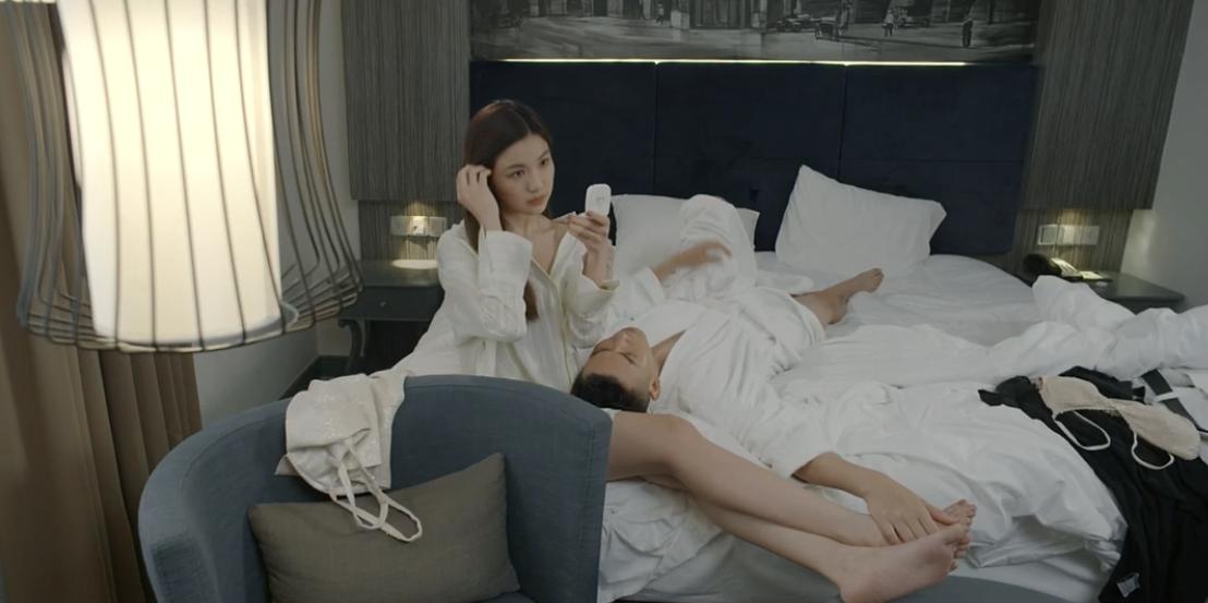 Hoa hồng trên ngực trái: Đỏ mặt xem cảnh tiểu tam hôn hít, lên giường với 2 diễn viên nam chỉ trong 1 tập phim-1