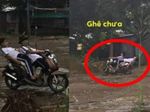 Ngả ngớn trên xe máy sau cơn mưa, hai thanh niên nhận cái kết