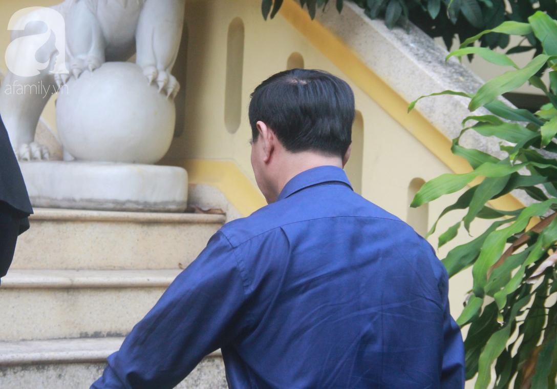 Nguyễn Hữu Linh bị tuyên phạt 18 tháng tù giam cho tội Dâm ô bé gái trong thang máy Sài Gòn-8