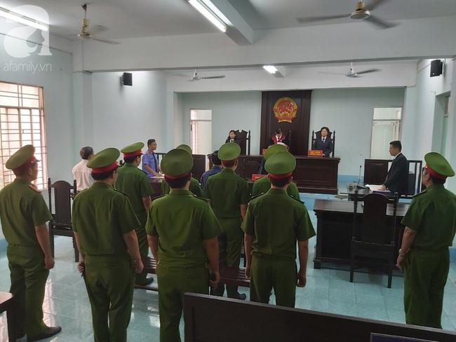 Nguyễn Hữu Linh bị tuyên phạt 18 tháng tù giam cho tội Dâm ô bé gái trong thang máy Sài Gòn-2